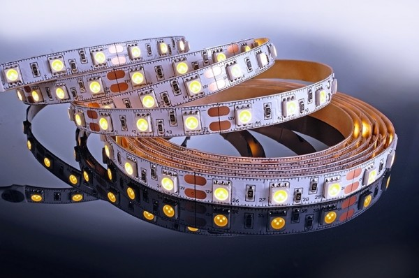 Flexibler LED Stripe IP 20, 12V, LED Typ 180xSMD 5050, 14,4 W/m, 43,2W/Stripe, 3m Rolle, warmweiß