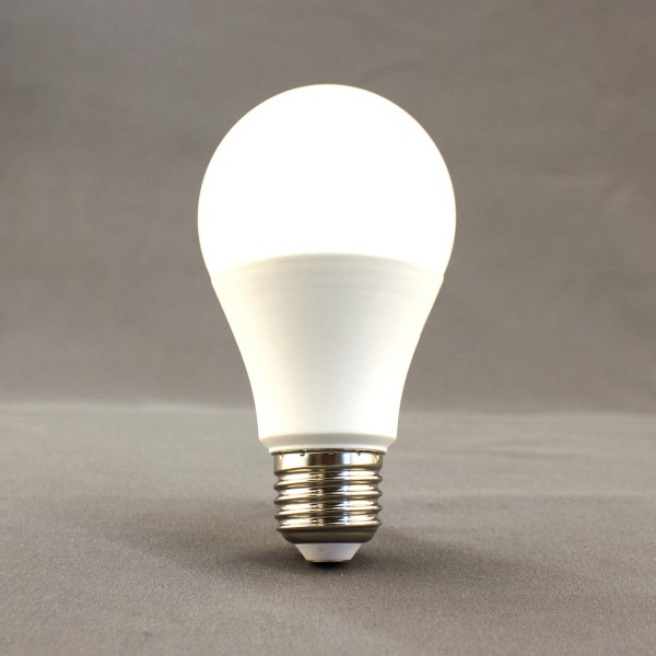 E27 LED Leuchtmittel, 2700K, 9W, 800lm, SMD, A60, birnenförmig